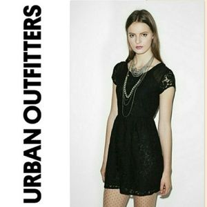 COINCIDENCE & CHANCE Black Lacey dress Size Small
